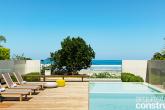 Refúgio minimalista valoriza ao máximo a paisagem